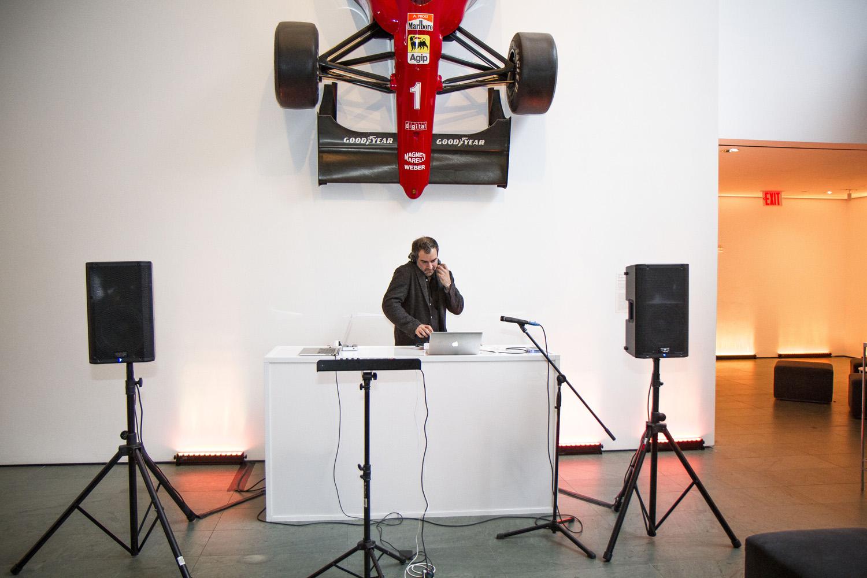 Mãos Performance, MoMA